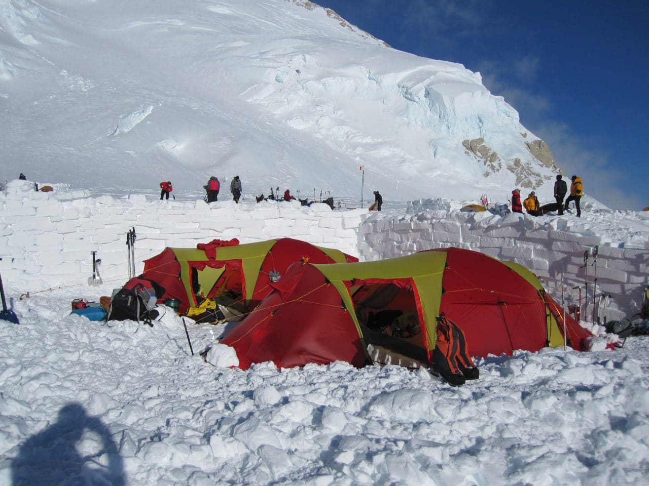 Helyum_Xavier-Carrard_Guide-de-montagne_Expedition_Alaska_Denali_Camp-4_Mur-de-neige