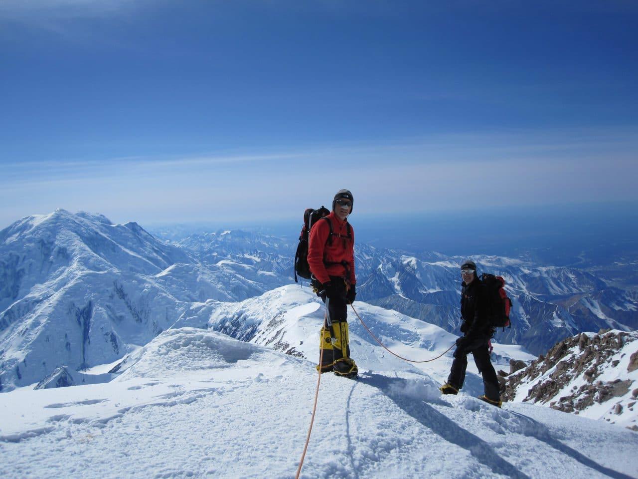 Helyum_Xavier-Carrard_Guide-de-montagne_Expedition_Alaska_Denali_Camp-5_arete_Didier-Genecand_Bernard-Girod