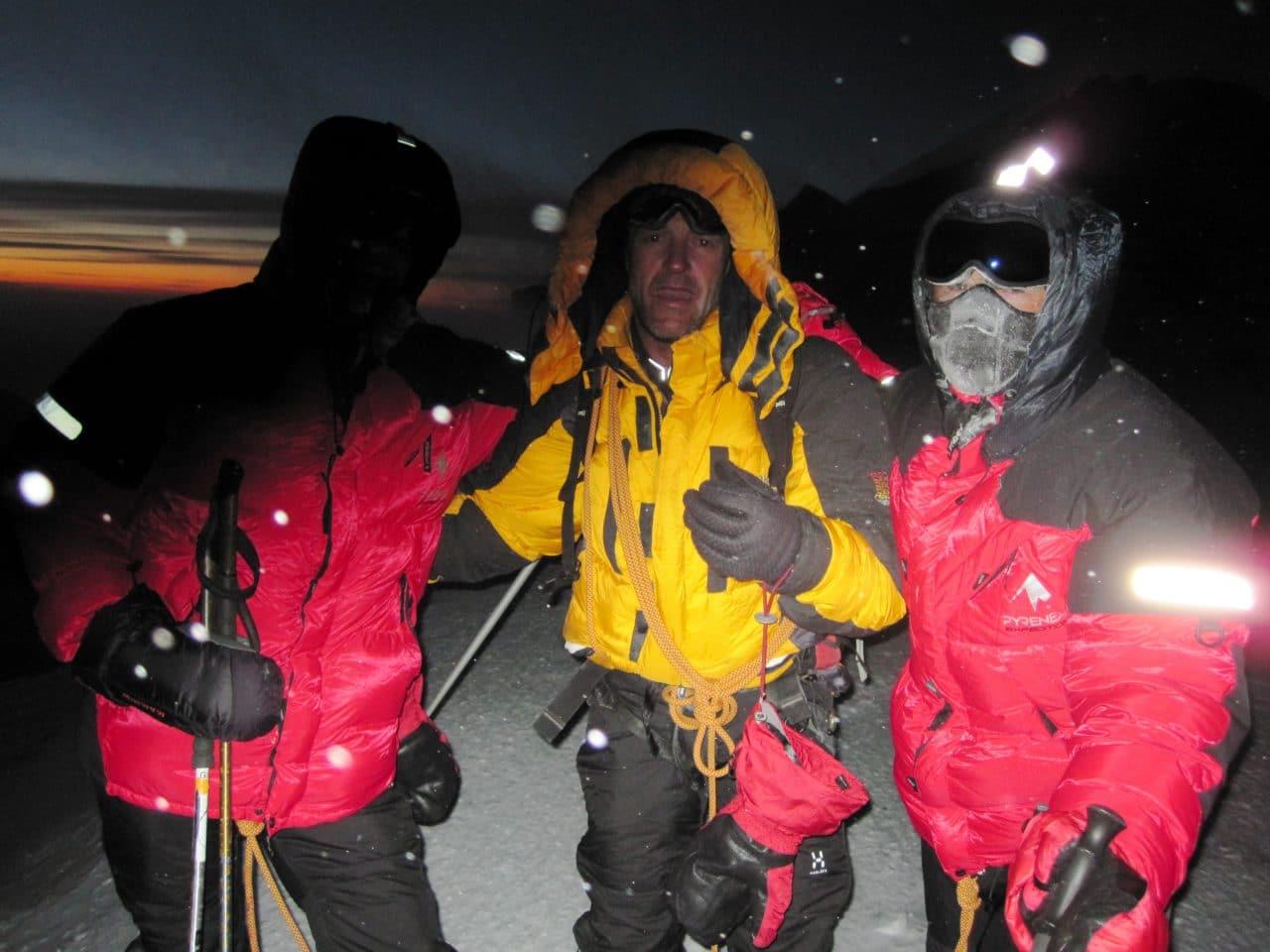 Helyum_Xavier-Carrard_Guide-de-montagne_Expedition_Alaska_Denali_Sommet_Bernard-Girod_Didier-Genecand