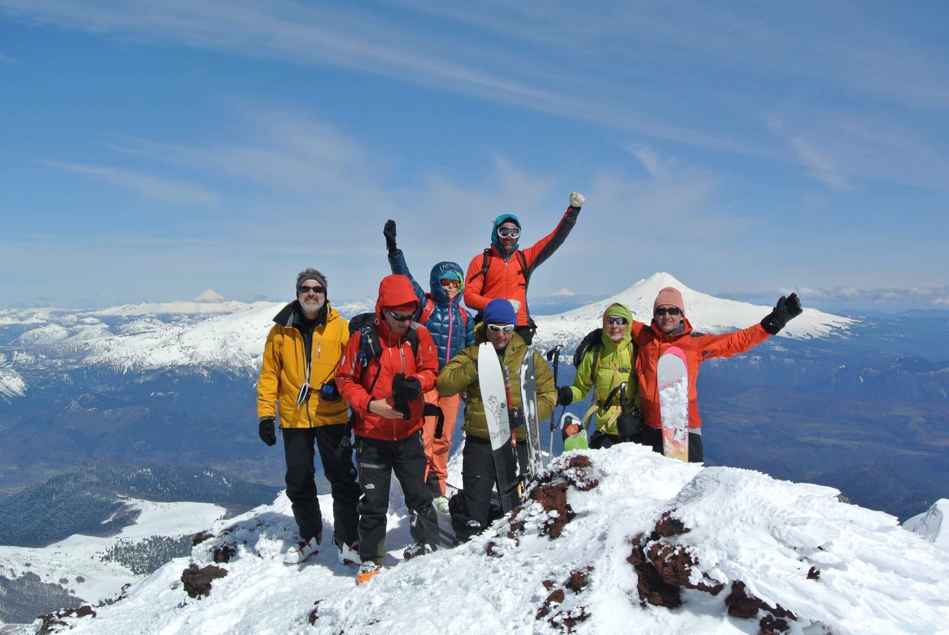 Helyum_Xavier-Carrard_Guide-de-montagne_Ski_Voyage_Argentine_Chili_Volcan-Lonquimay_Clients-Sommet