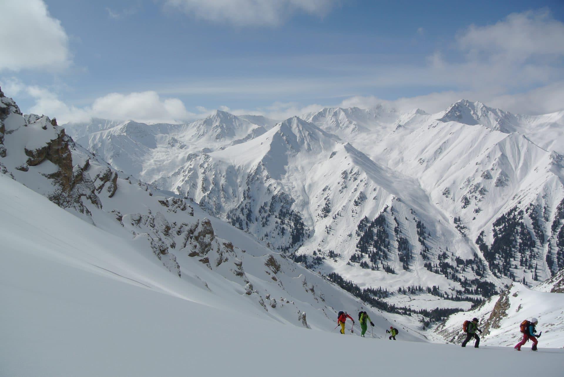 Helyum_Xavier-Carrard_Guide-de-montagne_Ski_Voyage_Kirghistan_Asie-Centrale_Ambiance