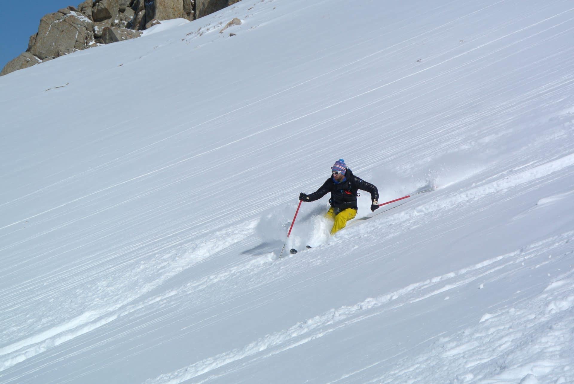 Helyum_Xavier-Carrard_Guide-de-montagne_Ski_Voyage_Kirghistan_Asie-Centrale_Lilian-Martinez_Ski-libre