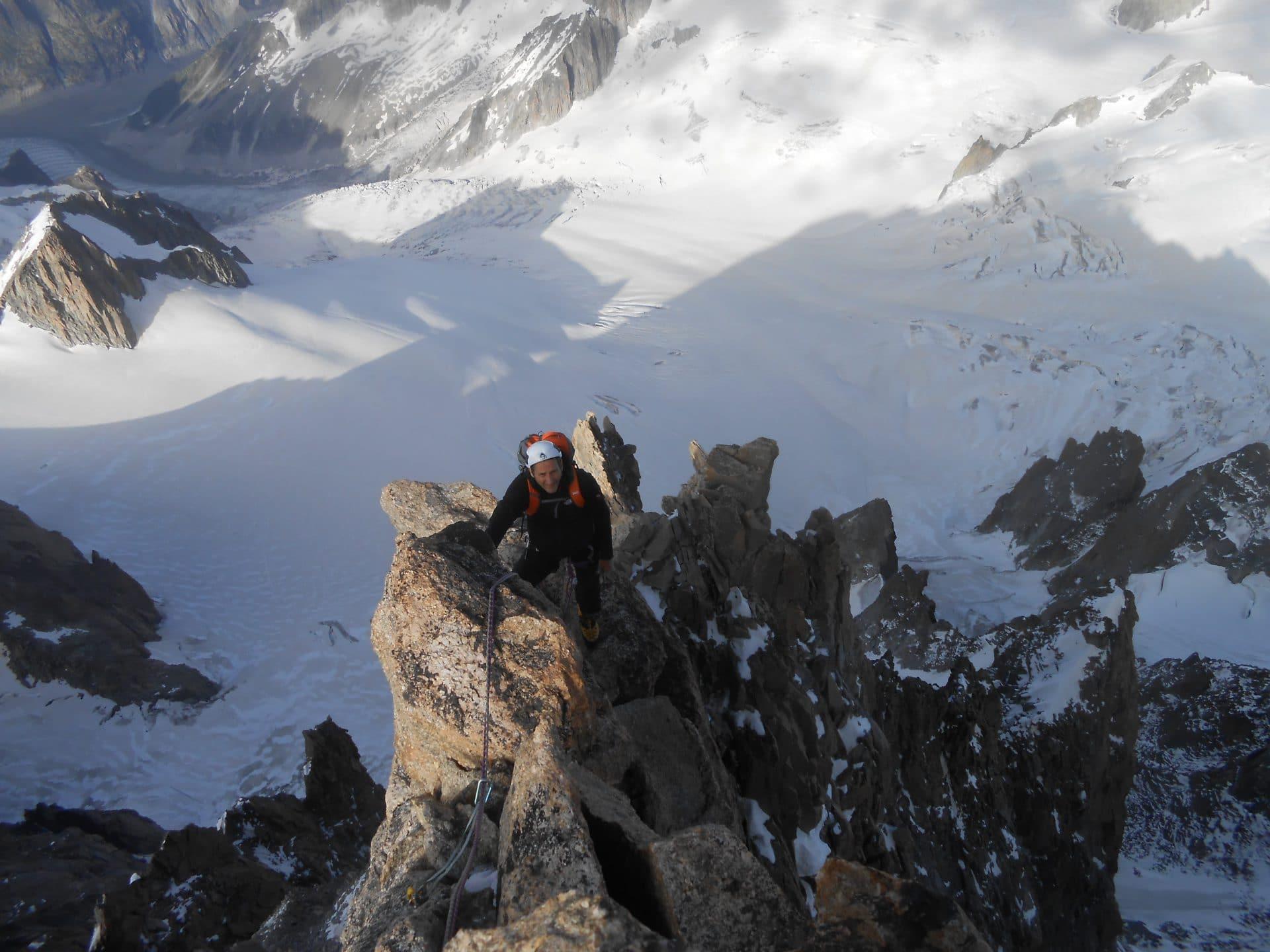 Helyum_Xavier-Carrard_guide-de-montagne_Pilier-Gervasutti_Mont-Blanc_du_tacul_France.1