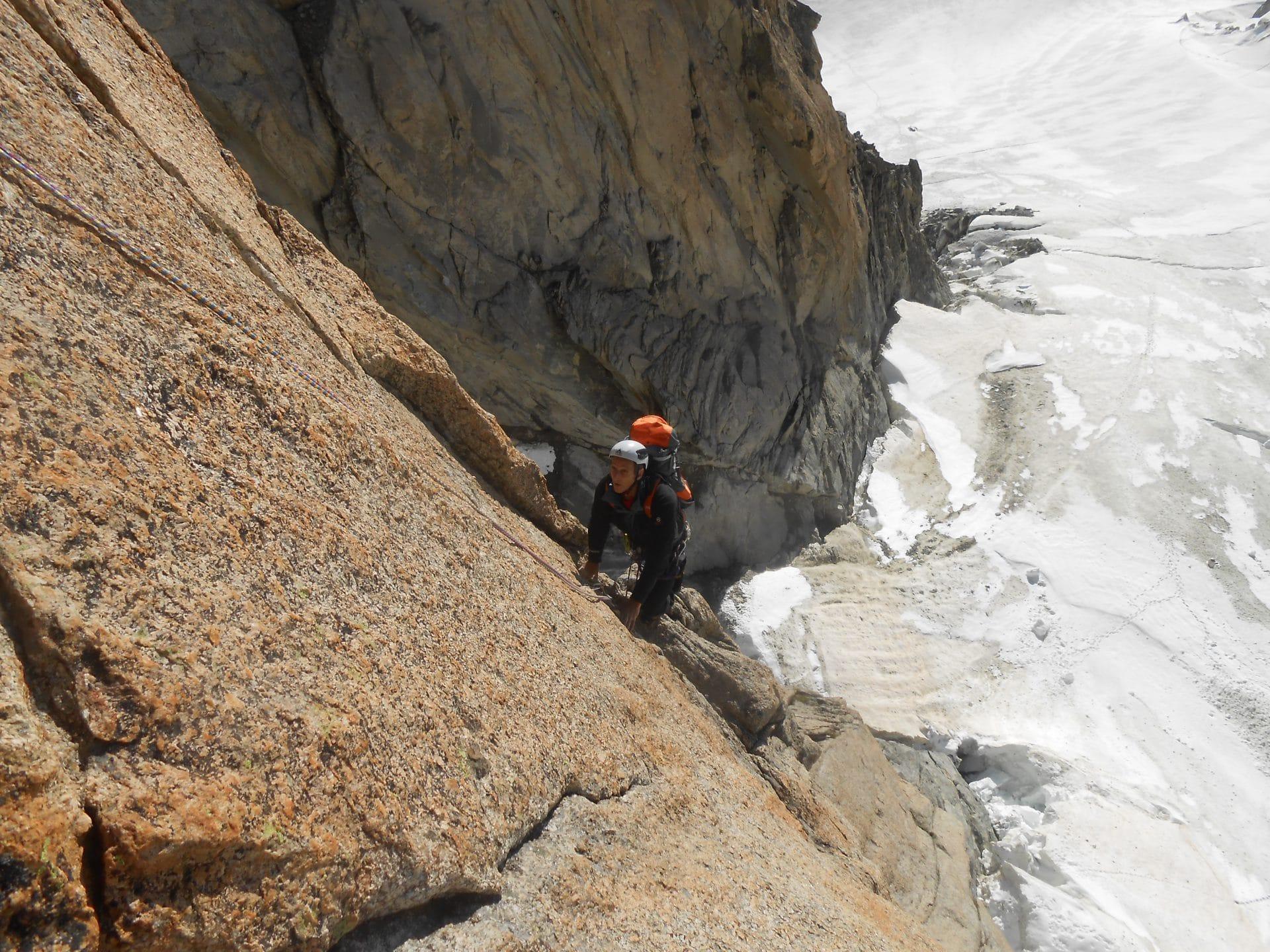 Helyum_Xavier-Carrard_guide-de-montagne_Pilier-Gervasutti_Mont-Blanc_du_tacul_France.5