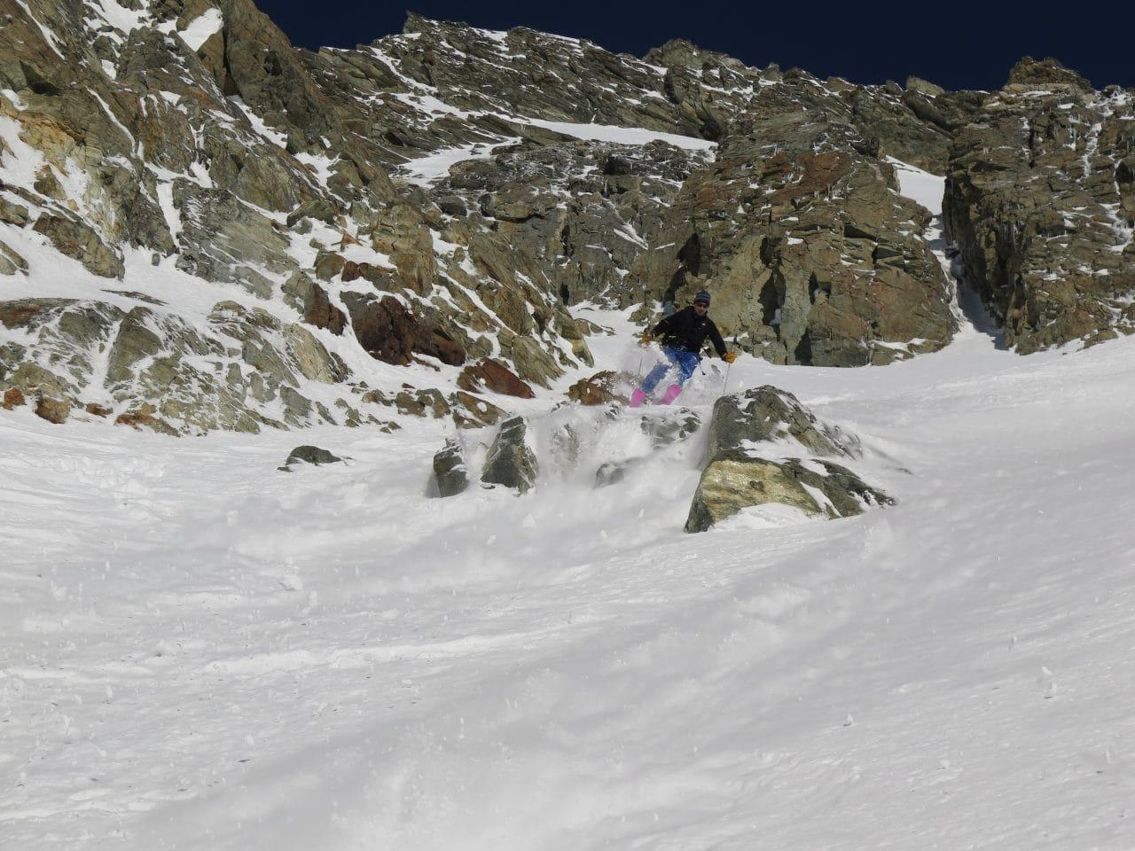 Couloir-Est-des Bouquetins_Ski-pente-raide_Helyum_Xavier-Carrard_Valais_Suisse_5