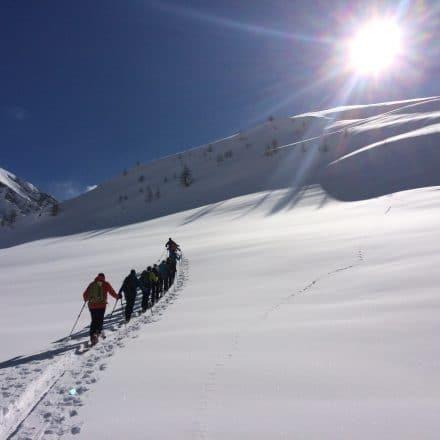 """<span style=""""font-size:1.5em;"""">SKI</span><br/>Ski de randonnée à Cheney<br/>/// février 2018 ///<br/><span style=""""color: #b0cc00;"""">Places disponibles</span>"""