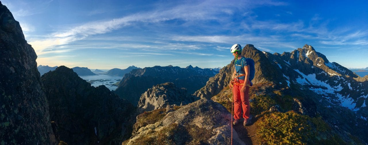 lofoten-presten-norvege-escalade-voyage-helyum-yann-nussbaumer-escalade-presten-vestpillaren-guide-de-montagnelofoten-presten-norvege-escalade-voyage-helyum-yann-nussbaumer-escalade-presten-vestpillaren-guide-de-montagne