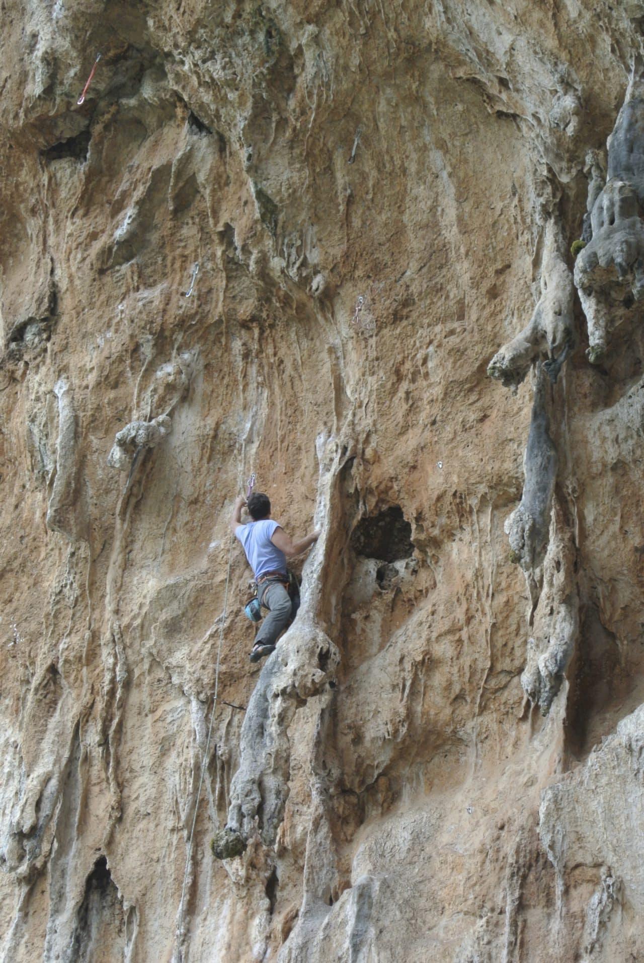 escalade-grece-athenes-philippe-mailhot-guide-de-montagne-helyum