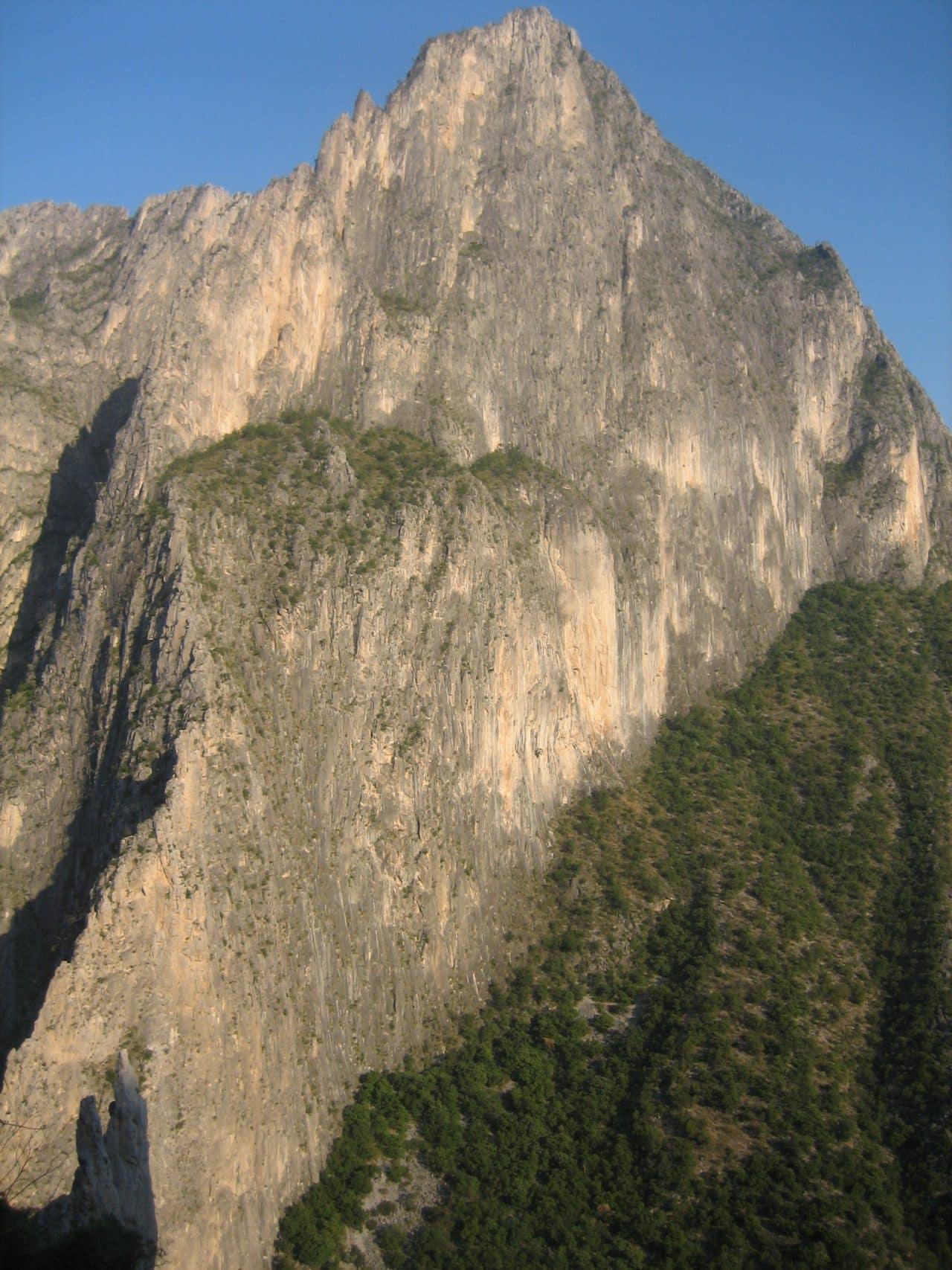 escalade-mexique-potrero-chico-ambiance-xavier-carrard-helyum-guide-de-montagne-roc-trip-