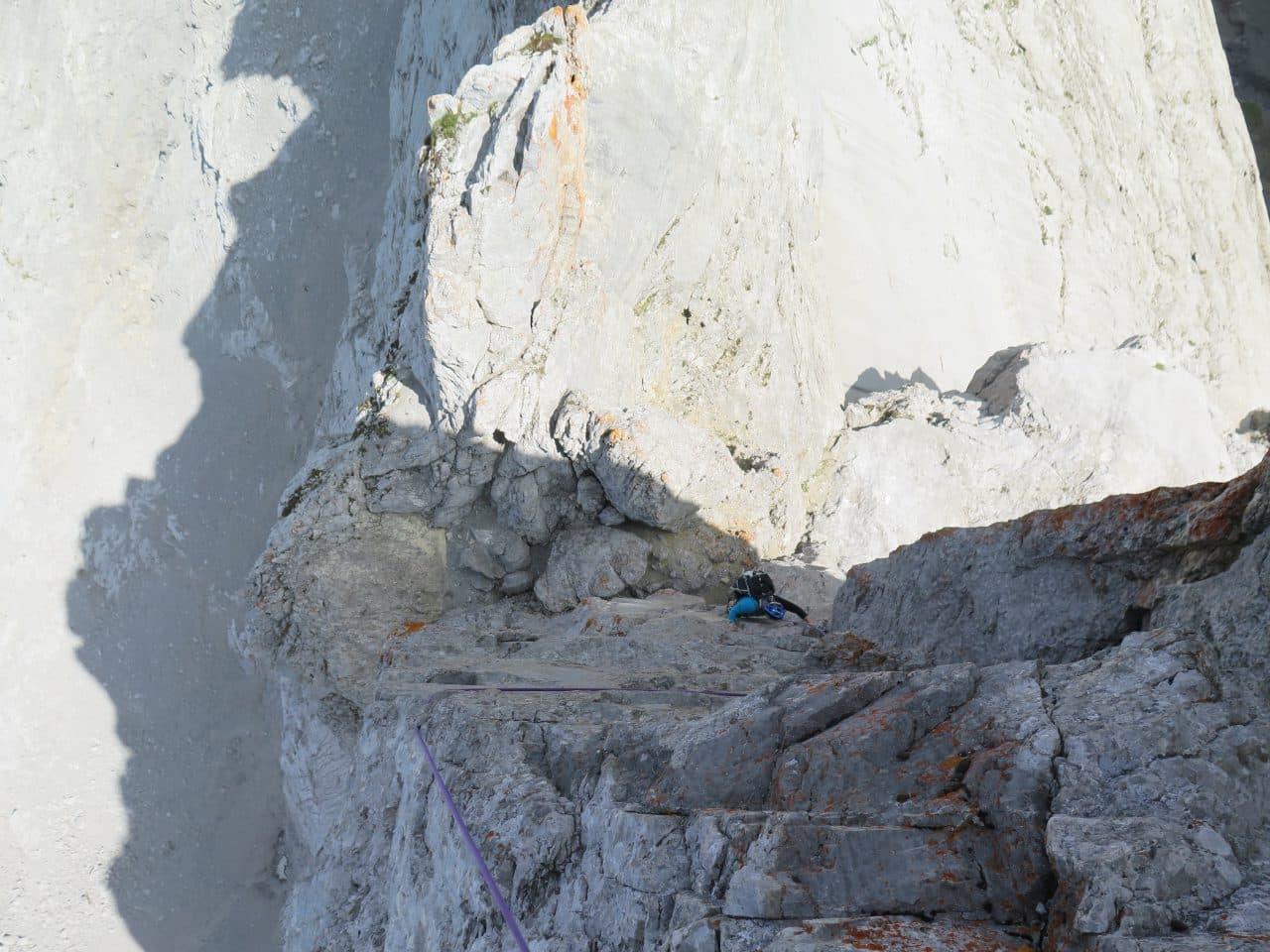 Passage clé de l'arête du Doigt à la Pointe Percée.