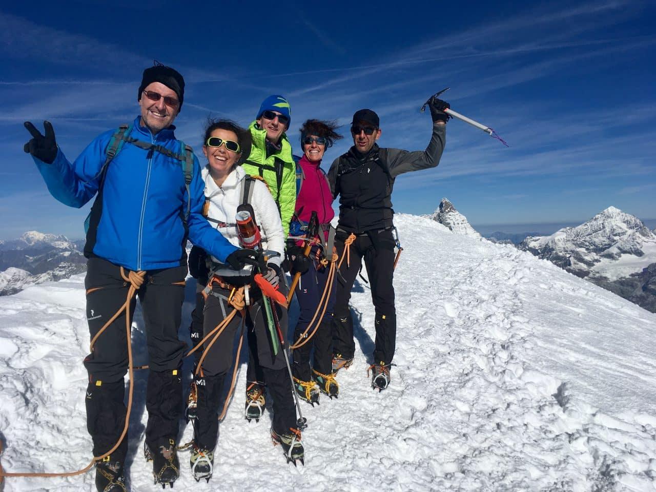 Un week-end entre fête et montagne à Zermatt pour l'anniversaire de Marc avec Yann, guide à Helyum.