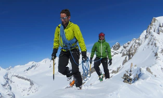 "<span style=""font-size:1.5em;""> SKI </span><br/> Les ""4000"" d'Aletsch <br/> /// mai 2018 /// <br/><span style=""color: #b0cc00;""> Places disponibles </span>"