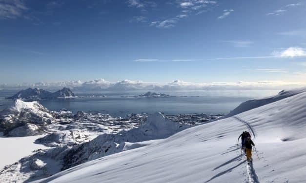 Ski et yoga aux Lofoten, Norvège