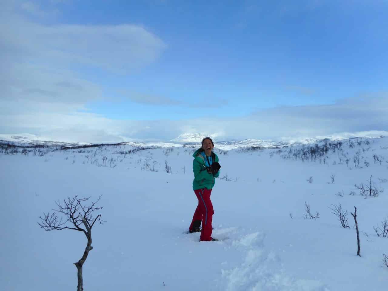 Centre de lîle à Senja. Séjour raquettes norvège avec Silvana Carrard accompagnatrice Helyum.ch