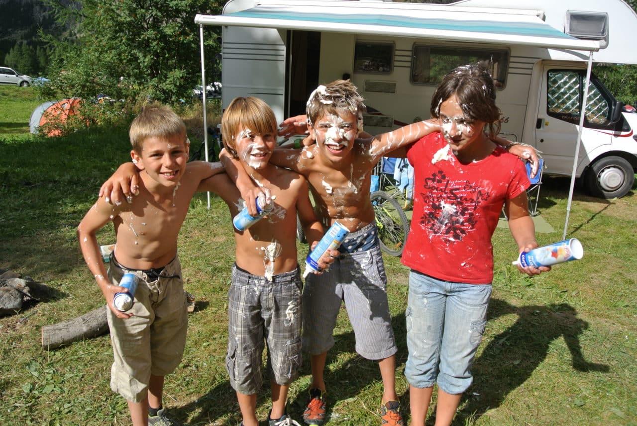 4 gamins et crême chantilly