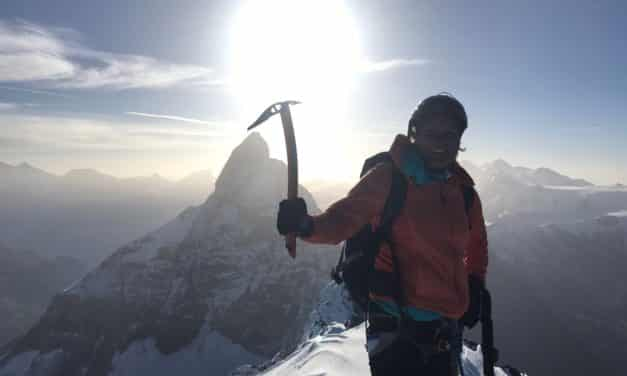 "<span style=""font-size:1.5em;""> ALPINISME </span><br/> Dent d'Hérens <br/> /// Juillet 2021 /// <br/><span style=""color: #b0cc00;"">Places disponibles</span>"