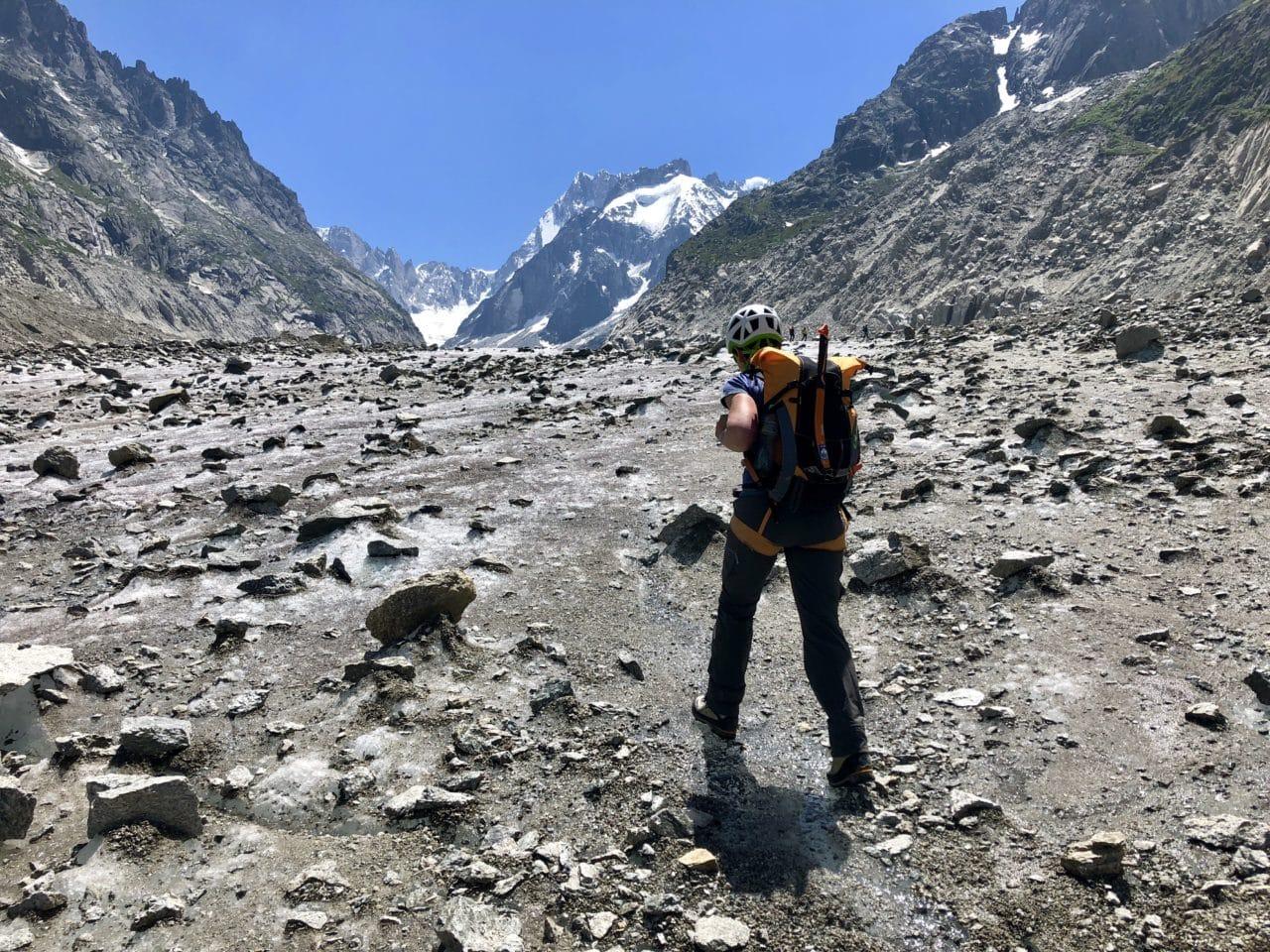 Escalade de Grépon Mer de Glace dans les Aiguilles de Chamonix avec Yann Nussbaumer guide de montagne chez Helyum