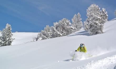 Espagne, Pyrénées: Baquiera, skier dans le grand blanc