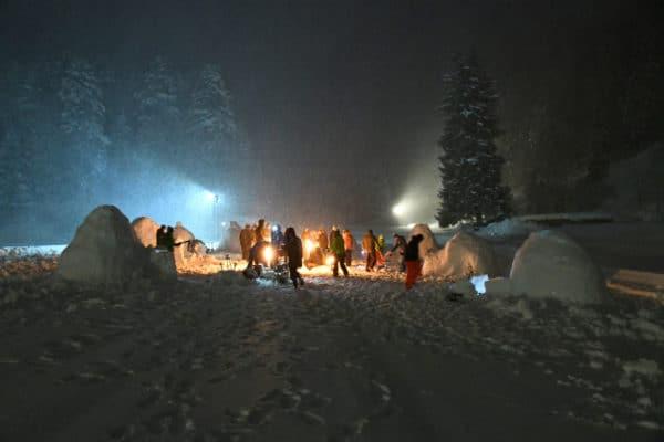 construction igloo, team building accompagnatrice en montagne silvana alimenti carrard helyum