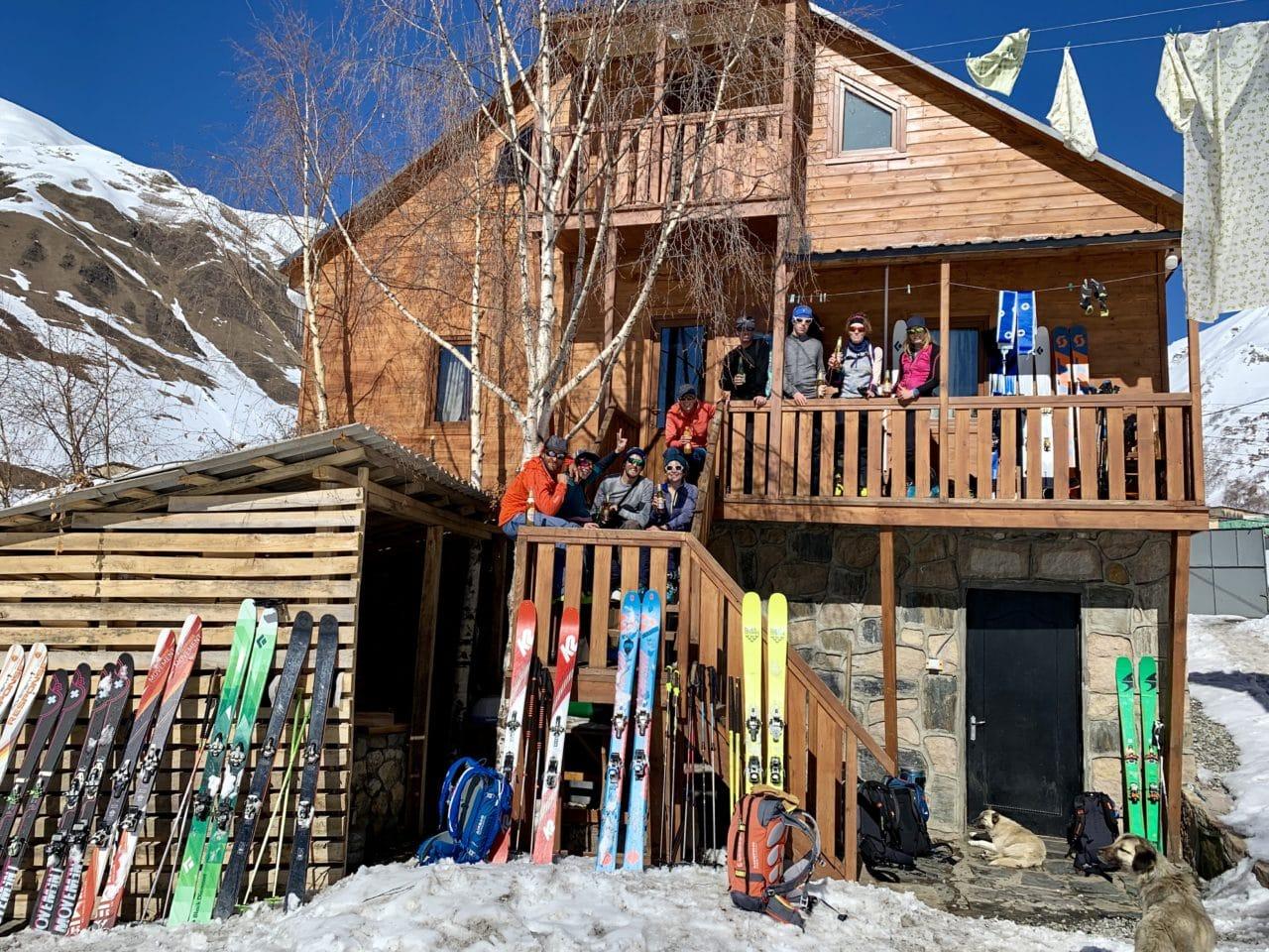 Voyage de ski de randonnée en Géorgie avec Yann Nussbaumer guide de montagne chez Helyum