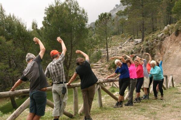 Cours de stretching, Randonnées pédestres avec Silvana Carrard accompagnatrice en montagne UIMLA chez Helyum, guia de trek andalucia, caminatas
