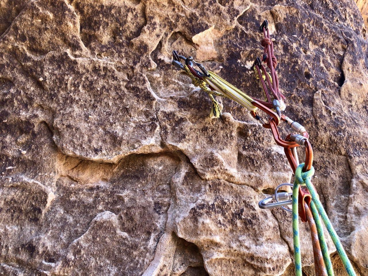 Escalade dans le Wadi Rum en Jordanie avec Yann Nussbaumer guide de montagne chez Helyum