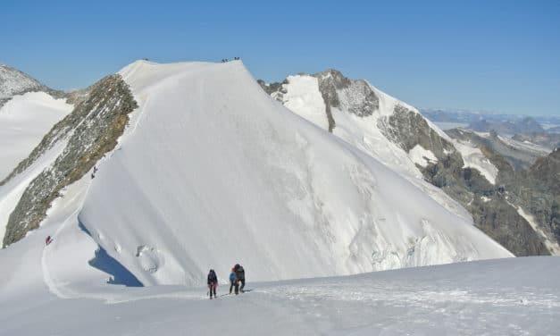 """<span style=""""font-size:1.5em;"""">Alpinisme</span><br>Massif de la Bernina<br> /// août 2020 /// <br><span style=""""color: #b0cc00;""""> place disponible </span>"""