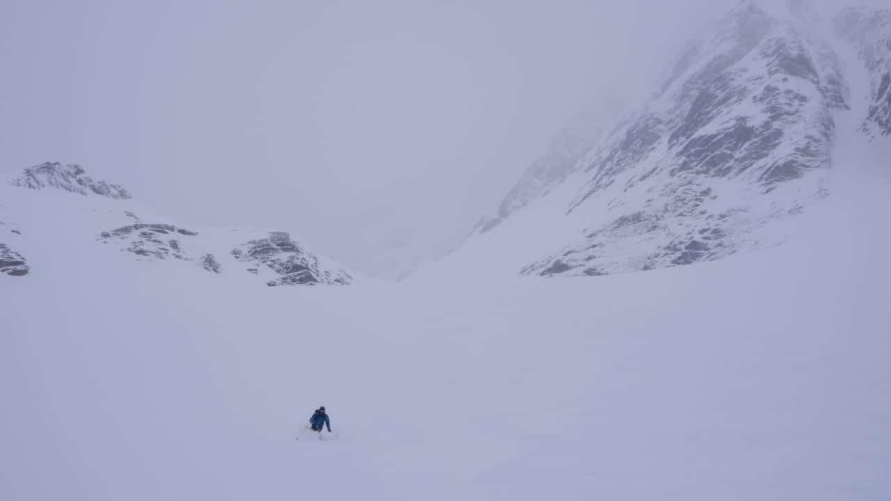 Descente hivernale de l'Arpelistock. helyum.ch