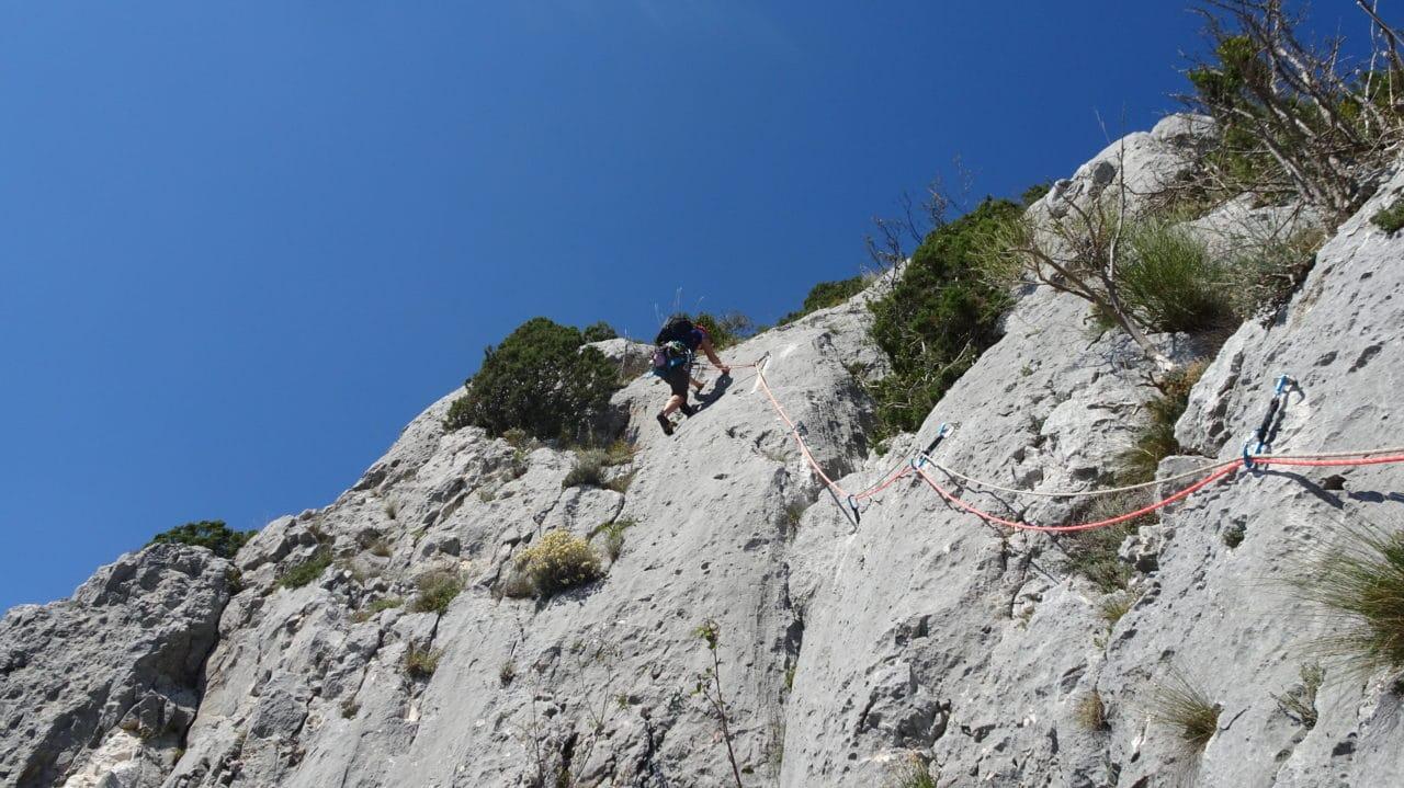 Stage escalade Helyum.ch au Verdon. Initiation à l'escalade en première de cordée.