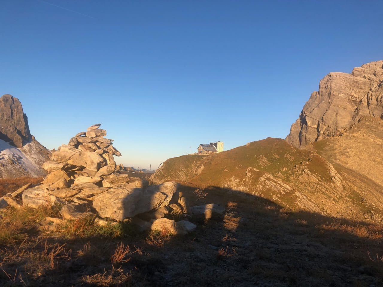 Cabane Rambert avec Jérôme Gottofrey guide de montagne chez Helyum